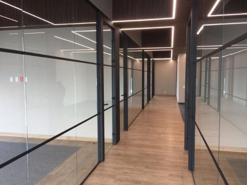 styleGLASS mamparas cristal oficina