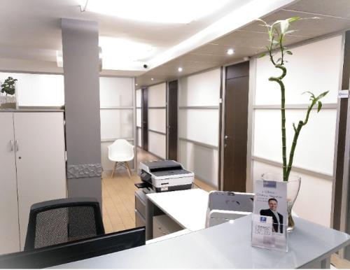 Alquiler de despacho con secretaria en Castellón