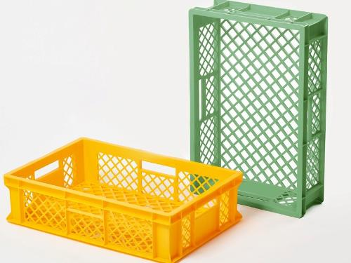 Injected products, injection moulding