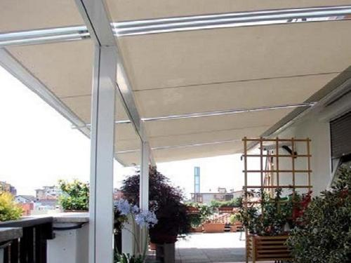 TOP GARDEN: HORIZONTAL AWNING WITH CASSETTE