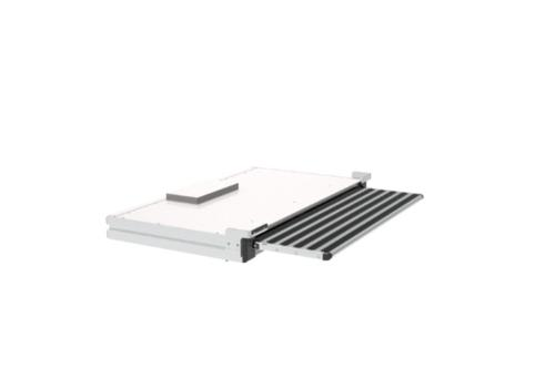 Electrical automatic retractable step