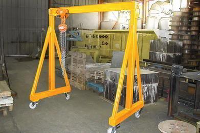Portique d'atelier fixe et mobile