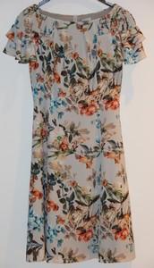Oval Yaka içek desenli elbise