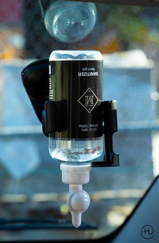 Pack Premium Avec Bouteille Remplie Support Avec Gel Hydroalcoolique