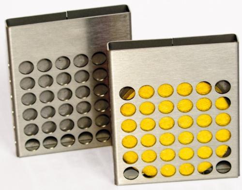 Edelstahlhalterung mit SSD Disk