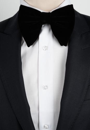 Gros noeud en velours noir