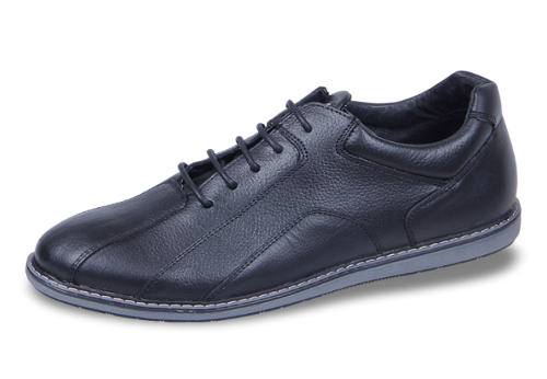 Lightweight men's sports shoes made of genuine leather...