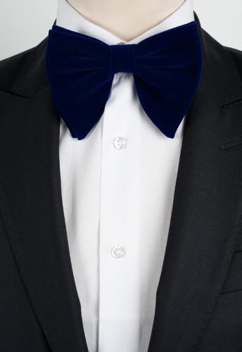 Gros noeud en velours bleu indigo