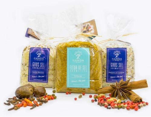Coarse salt and Fleur de sel, plain or flavoured