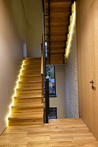 Ступени  для лестницы  - материал Дуб Ясень Береза Бук Берез