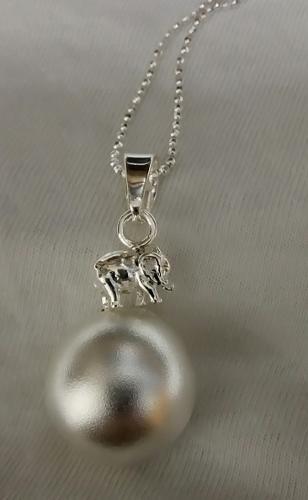 llamador de ángeles en plata matte y figura elefante