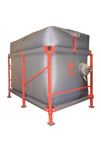 Flat bottom silo for maximum volume use