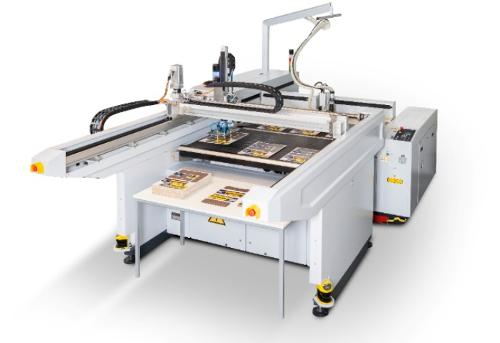 Équipement du robot de la machine de découpe au laser