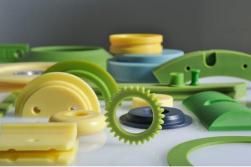 Liti poliamidi in tehnične plastike
