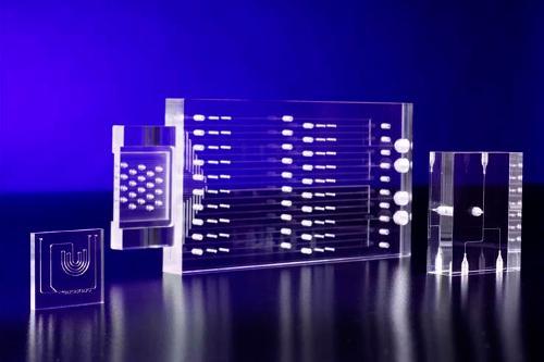 microfluidic plastic manifolds