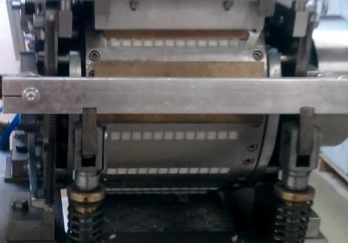 R tipi Küp Şeker Yapma Makinesi