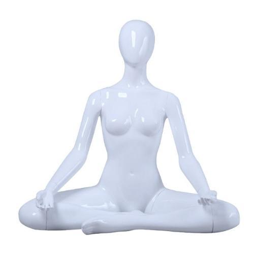 Mannequin femme position yoga