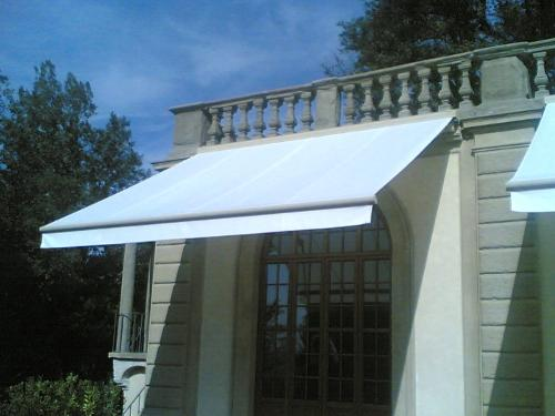 HERCULES: CASSETTE FOLDING ARMS AWNINGS