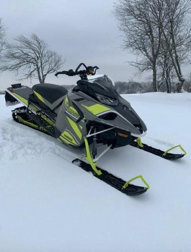 Yamaha Schneemobil