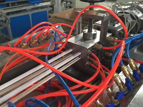 Plastic Extruding Services For Plastic Profiles