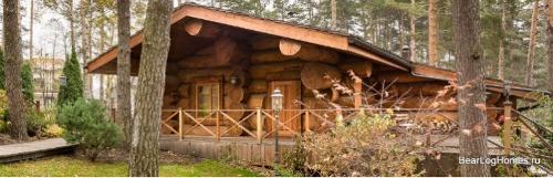 Cedar bath house