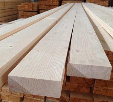 Spruce planed board
