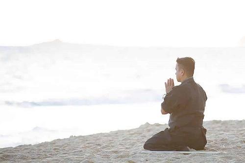 COME MEDITARE IN MANIERA CORRETTA?