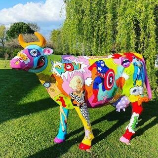 Vache en résine grandeur nature