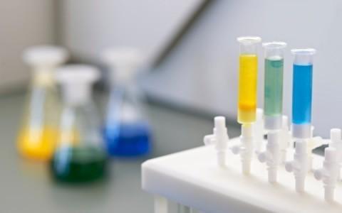 Tinkturen von Phytoneering Extract Solutions