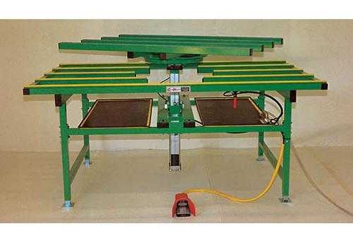 Table de montage avec système de levage rotatif