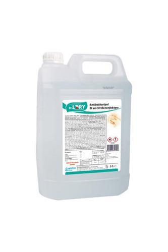 Cleaning (tmu173-039786)