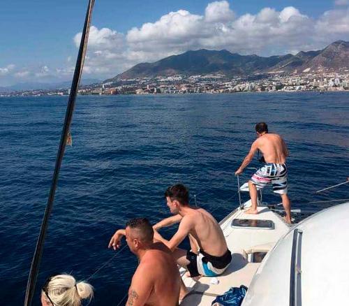Paseo en barco-catamarán