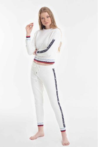 Yoors Star Sweatshirt & Joggers Set