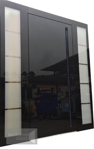 Drzwi ze szklanym frontem