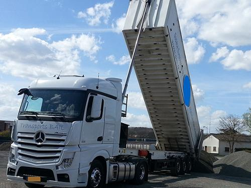 Transport de conteneur pour port