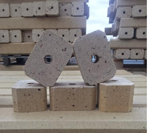PRESSED WOOD BLOCKS FOR PALLETS MANUFACTURING