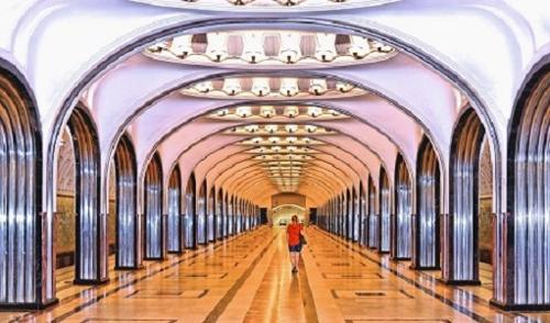 Visite du metro de Moscou