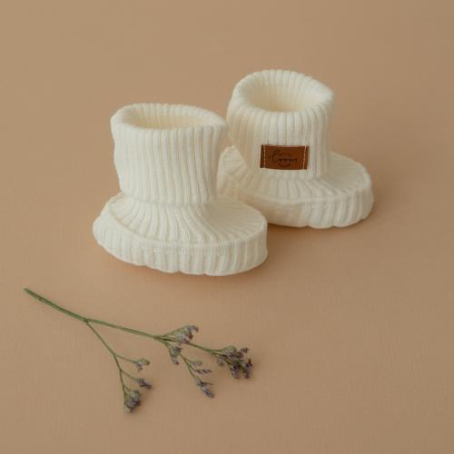 Booties knitted from cotton Cream