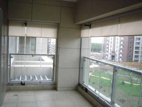 Balcony Glass Closure