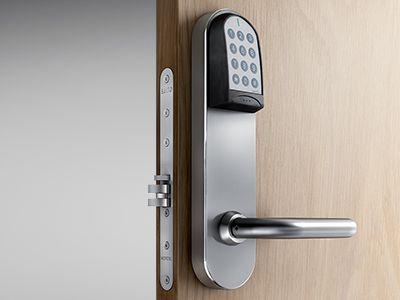 Adgangskontrol og alarmanlæg