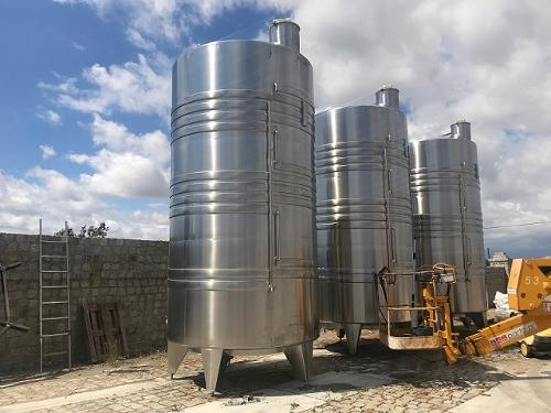 Steel and stainless steel tanks