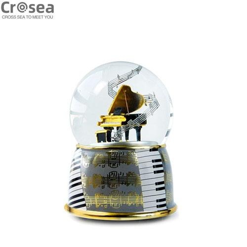 New Arrival Piano Design Resin Glass Snow Globe With Music