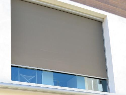 OUTDOOR ROLLER BLIND