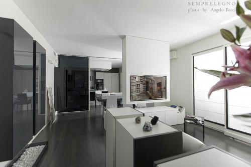 Arredamento su misura per soggiorno design con domotica