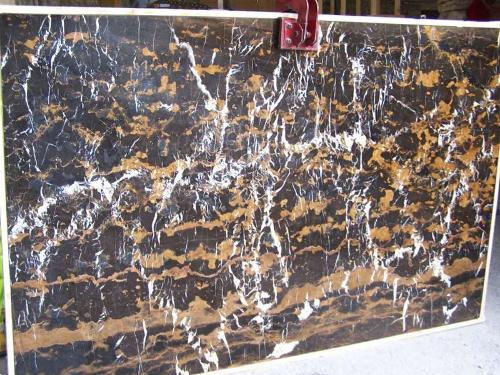Online Warehouse: Black and gold Marble