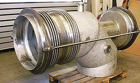 Elbow-conected pressure balanced expansion joint