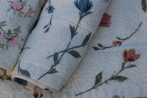 Serviette de bain imprimé floral