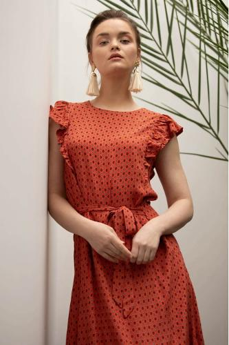 Puff Sleeve with belt detail